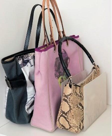 うすめバッグはブックスタンドで自立させて収納