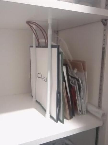 紙袋はクローゼット棚の端っこに