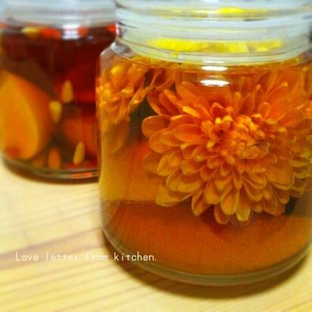 食用菊でフラワーブランデー