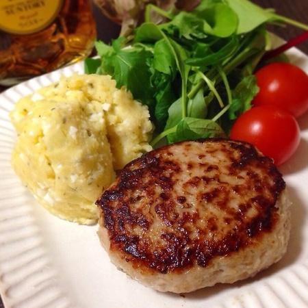 【簡単・節約・ヘルシー】つなぎなし!少ないお肉でもジューシーふんわり蓮根バーグ