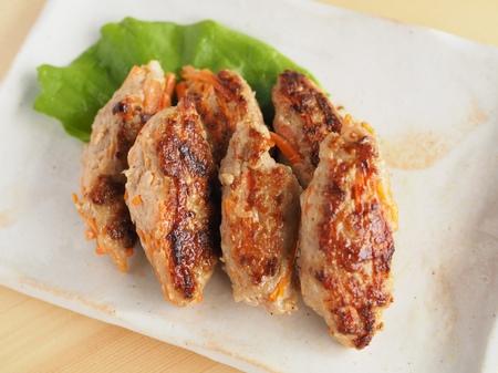 簡単鶏つくねのレシピ☆千切りにんじん入り・カレー風味