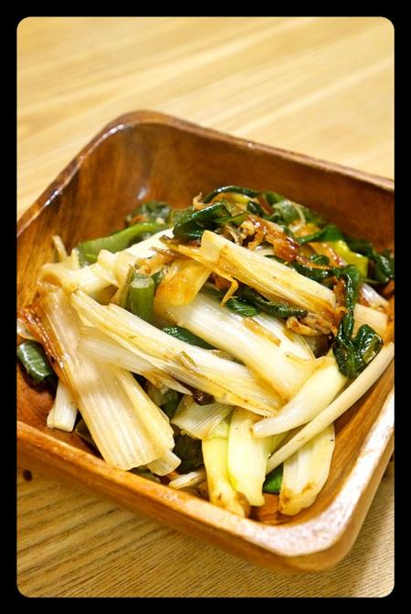 柔らかな下仁田葱としらすの炒め物
