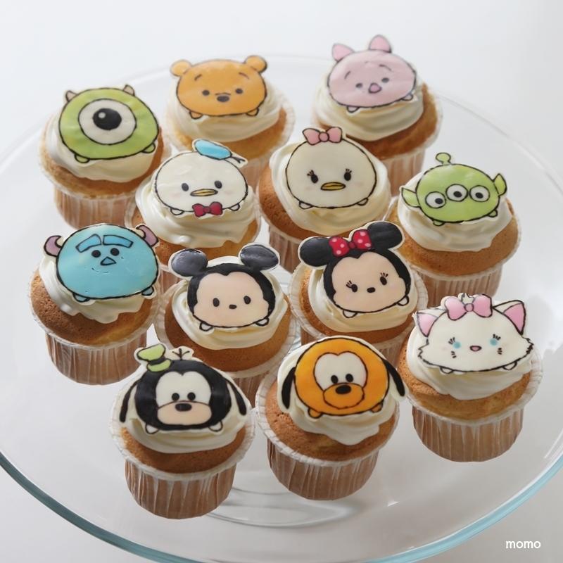 ホールケーキは焼くのもデコレーションも大変!そんなときはカップケーキがオススメです。短時間で焼けてデコレーションも不要。オーブンを使うのが面倒な場合は蒸し