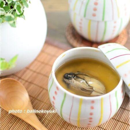 牡蠣の風味がたっぷり、豪華なあんかけ茶碗蒸し