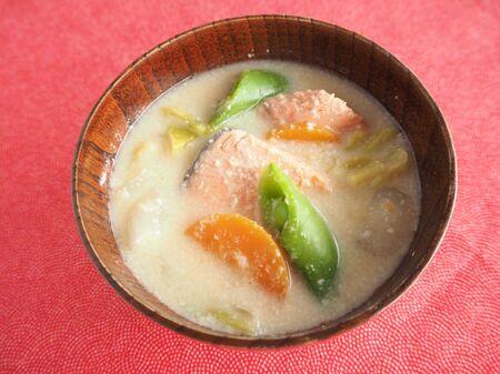 春野菜と鮭の粕汁