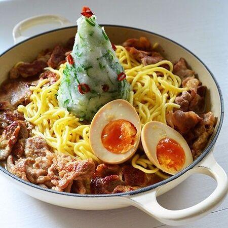 豚こま肉たっぷりラーメン鍋レシピ☆大根おろしで食べやすく