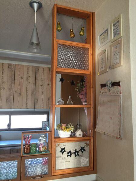 1×4の木材と100均フォトフレームで☆キッチンの飾り棚