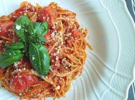 4つのタイプのトマトで!ヘルシーなノンオイルスパゲッティ
