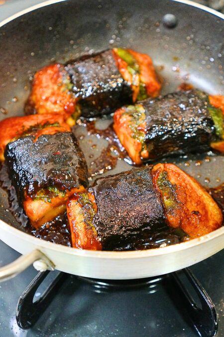お餅がメイン料理!豚肉大葉磯巻きの甘辛焼きのレシピ