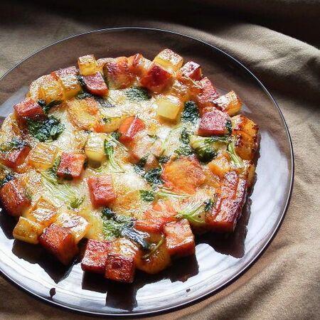 ちぎって食べてね〜スパムとたっぷりお野菜のてりやき餅〜