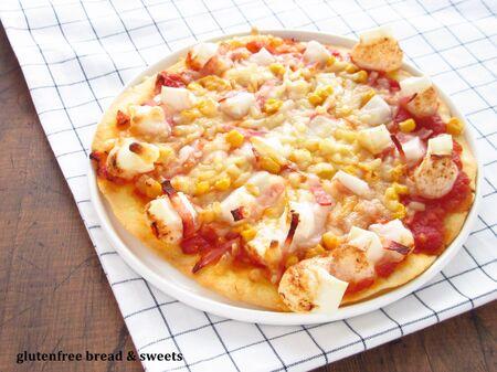米粉のピザ生地で☆ベーコンとコーンのお餅ピザ