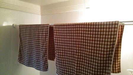 突っ張り棒&吸盤で浴室乾燥