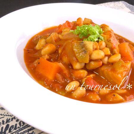 煮るだけ簡単☆腸内環境改善に!鶏むねとキウイのトマト煮