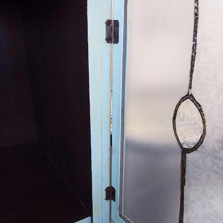 作り方⑥扉を蝶番で取り付けて、完成