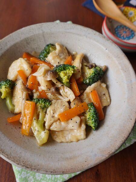 鶏むね肉でもしっとりつるん!鶏むね肉とブロッコリーの中華炒め