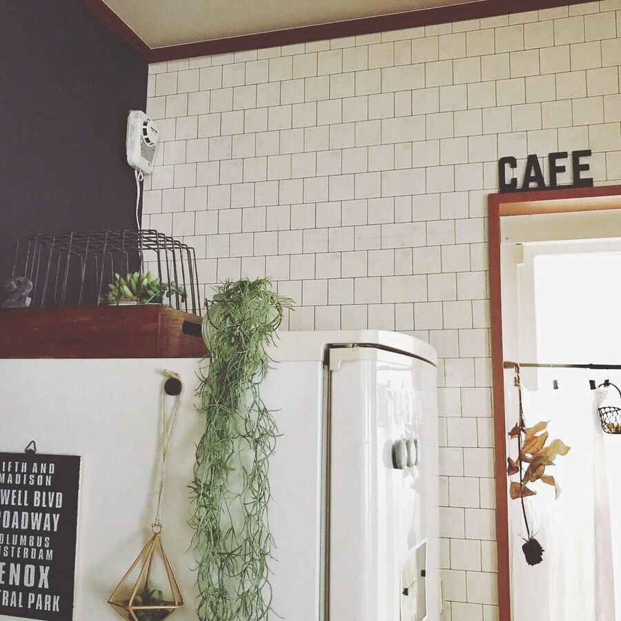 セリアキッチン商品で壁紙リメイク 暮らしニスタ