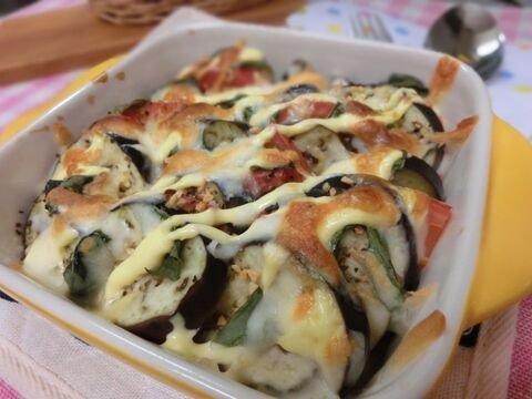 焼き トマト なす と の チーズ とっても簡単!茄子とトマトの重ねチーズ焼き♪ レシピ・作り方