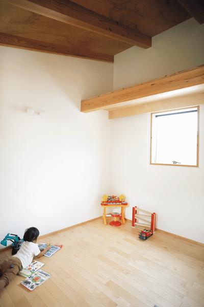 シンプルな作りの子ども部屋