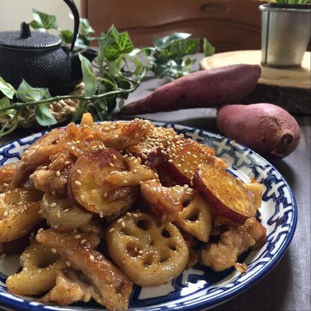 サツマイモとレンコンの豚こま甘辛炒め