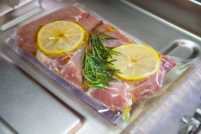 唐揚げ冷凍することで下味を付けながら長期保存