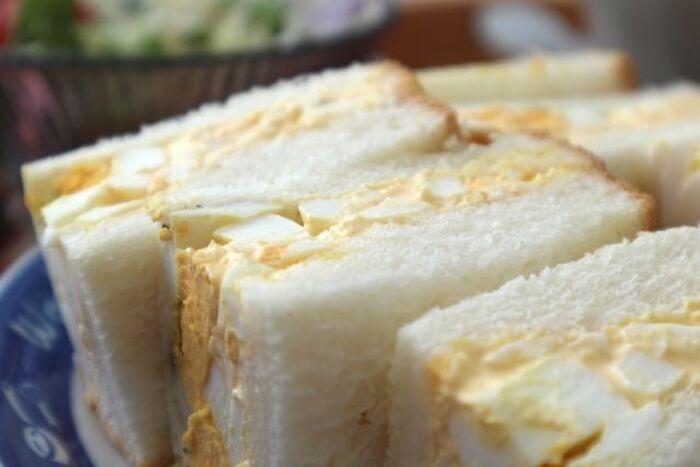 ゆで卵フィリングを使ったサンドイッチ