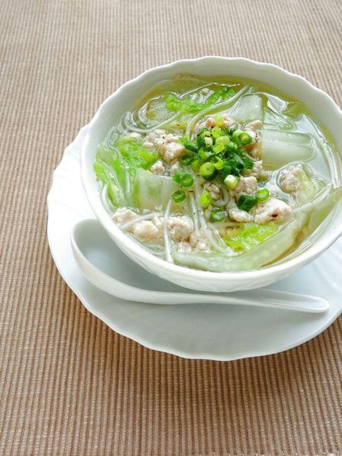 鶏挽肉と白菜の春雨スープ