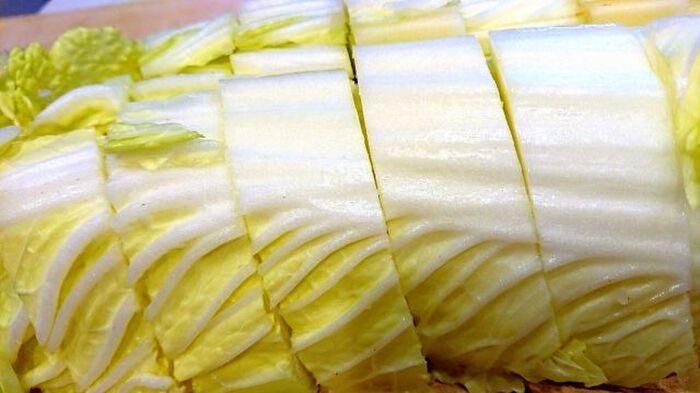 生のまま冷凍された白菜