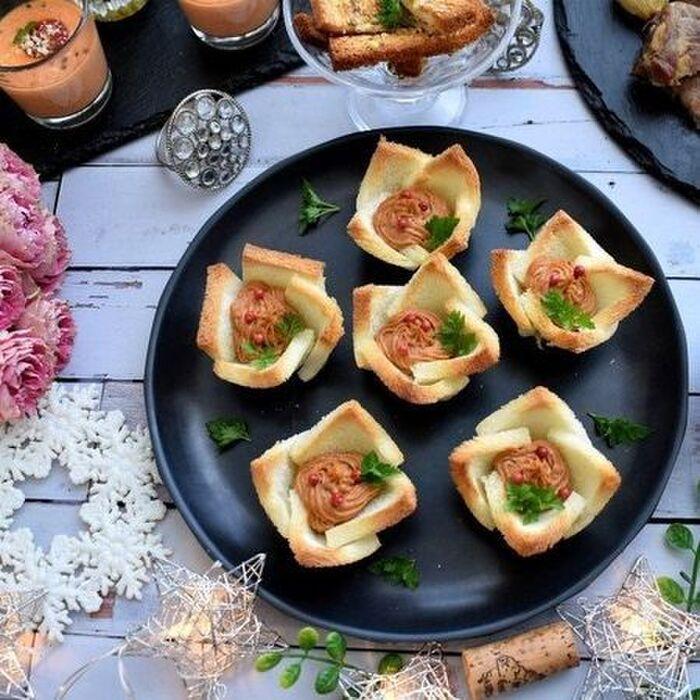 食パンカップのサバ・トマ・クリチペースト