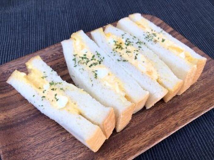 食パンのたまごサンド