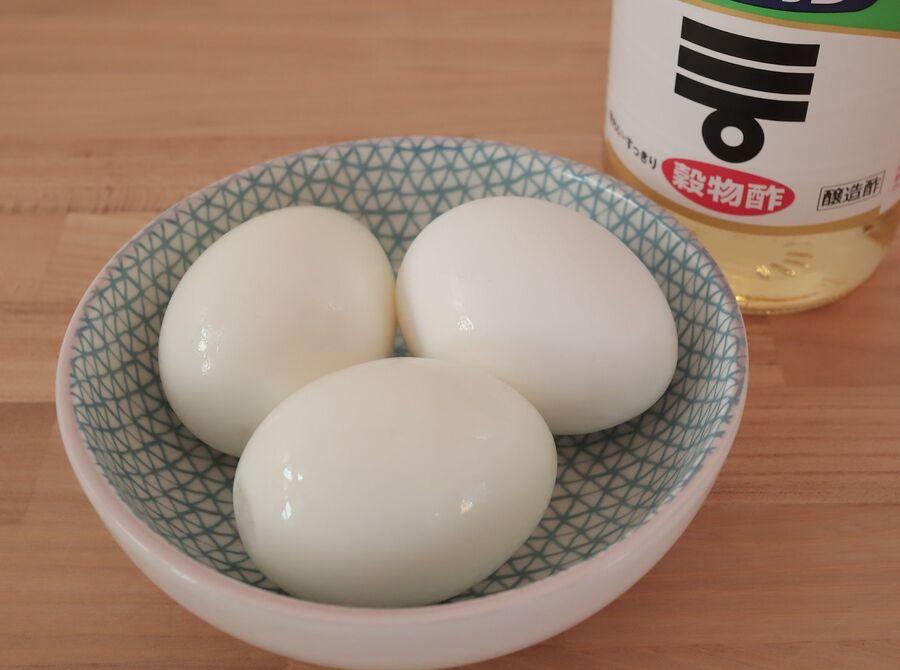 むき やすく 卵 茹で