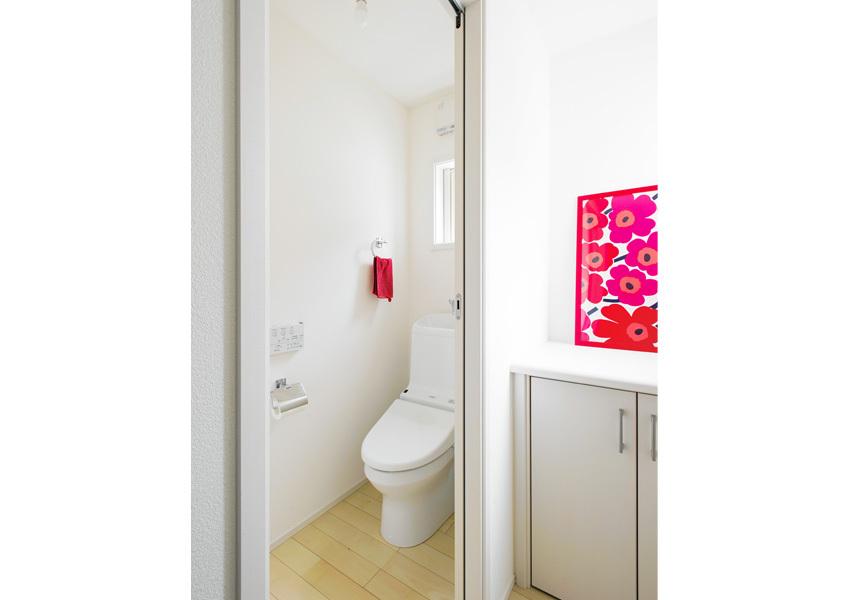 タンク付きのトイレ