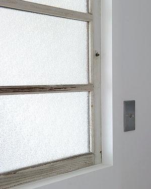 ユーズドならではの風合い室内窓