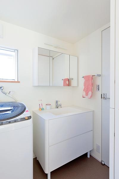 安価でデザインが好みで手入れもラクな洗面室