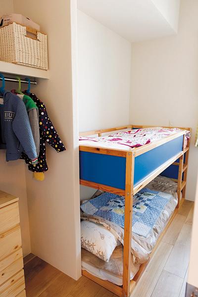 2段ベッドが置かれた子ども部屋