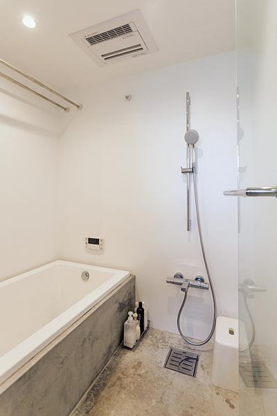 シンプルイズベストの浴室