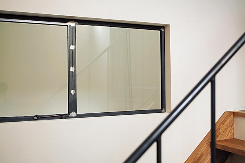 黒皮鉄の窓枠