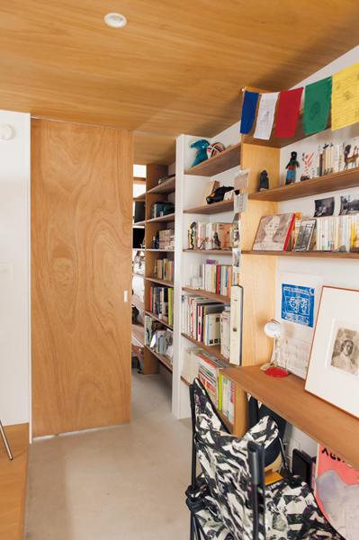 引き戸を閉めれば個室にできる書斎