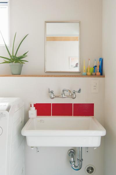 アノニマスなデザイン性とリーズナブルな価格が魅力の洗面台