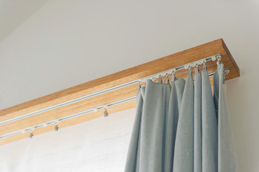 埋め込み式でおさまりが美しいスイスメイドのカーテンレール